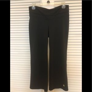 "CHAMPION 23"" ABSOLUTE WORKOUT CAPRI SMALL BLK NWOT"